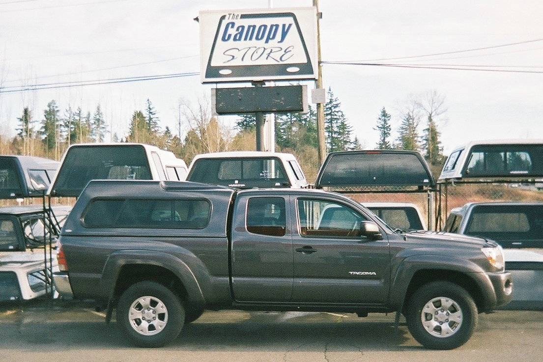 Toyota Tacoma with Arrow Mark II canopy & Import Canopies | The Canopy Store